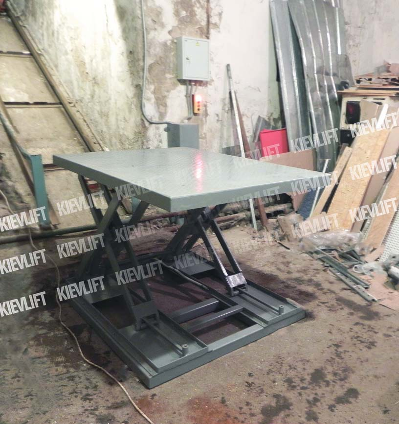 ножичний підйомний стіл